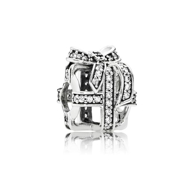PANDORA | All Wrapped Up charm #jewelry #Christmas