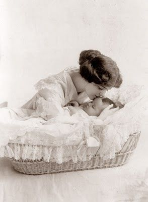 mere et enfant: Babies, Mothers, Vintage Photos, Mother And Child, Children, Vintage Rose