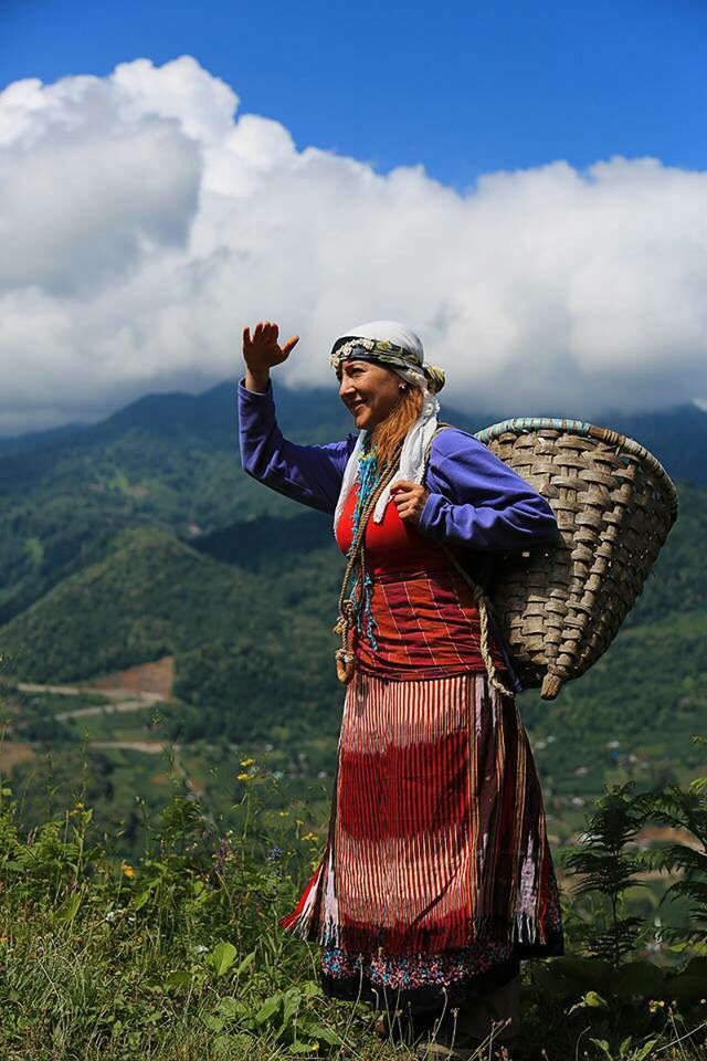 Tea pickers worker in weekly village clothing. Rize, northwestern Turkey.