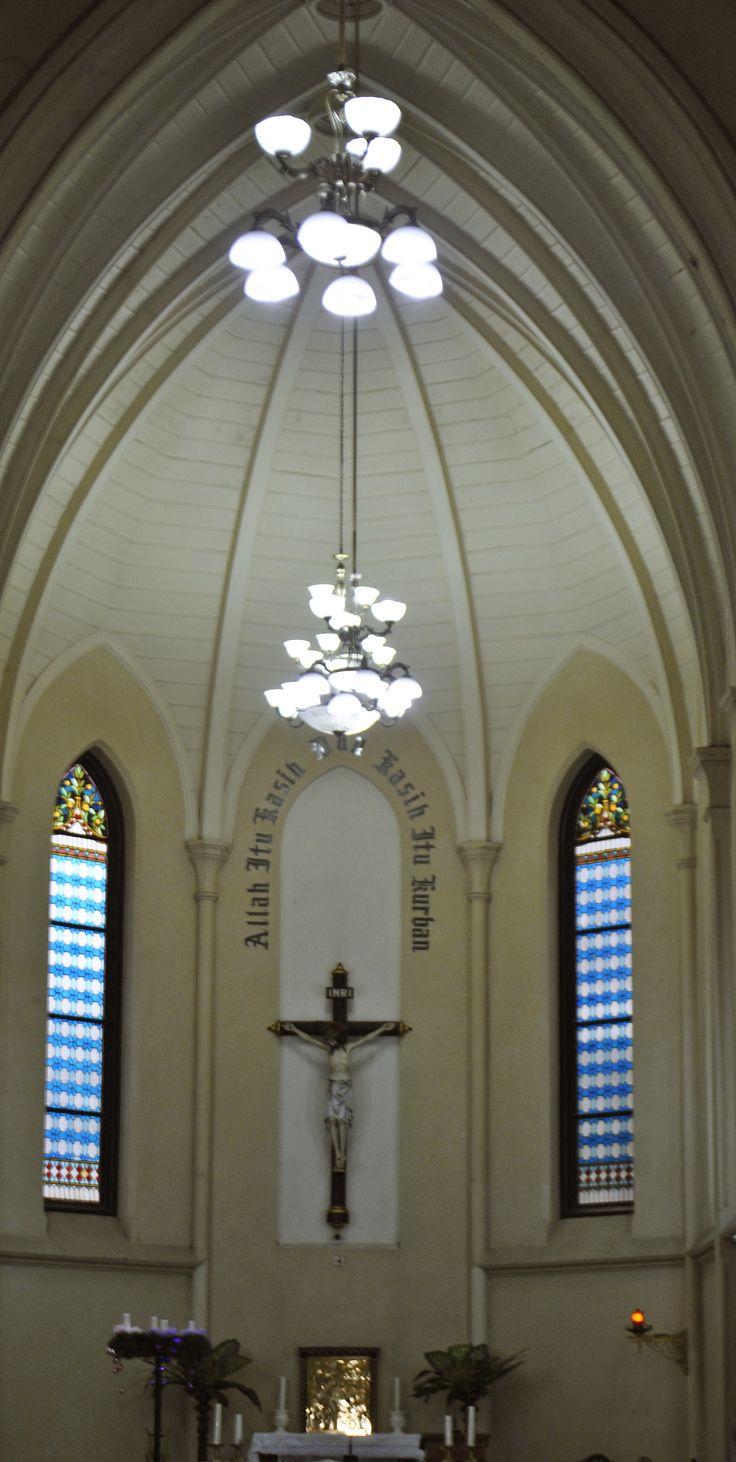 Allah itu Kasih & Kasih itu Kurban. Gereja Katolik Hati Kudus Yesus - Kota Malang