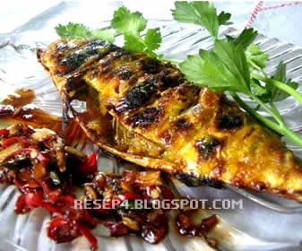 Resep Ikan Kembung Bakar - http://resep4.blogspot.com/2013/09/resep-ikan-kembung-bakar-bumbu-kunyit.html