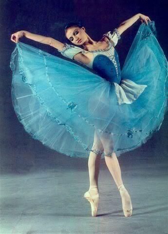 Yulia Makhalina, Principal Dancer Mariinsky Theatre Ballet Corps. ✯ Ballet beautie, sur les pointes ! ✯
