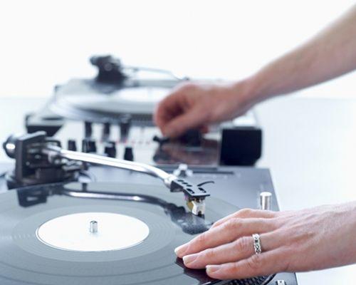 Speciale DJ: perché sceglierlo per il vostro matrimonio!