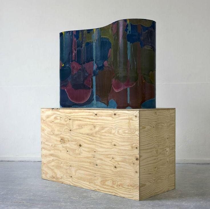 Endless block, 2010, Etienne Fouchet Résine polyuréthane colorée  165 x 110 x 55 cm (sur socle en bois contre-plaqué de: 175 x 110 x 65 cm)