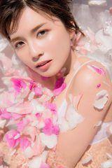 画像・写真 | AAA宇野実彩子、過去最高のセクシー写真集発売 裸オーバーオールも解禁 1枚目 | ORICON NEWS