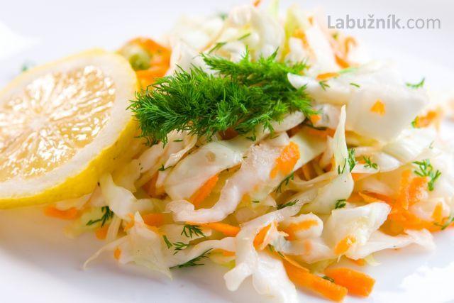 Bezva salát z čínského zelí