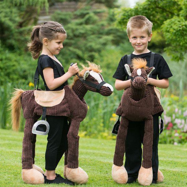 Flot udklædning som pony fra Travis Design. Stort udvalg af dyrekostumer til børn online på Lirumlarumleg.dk, Hurtig levering. Gratis indpakning. billig fragt.
