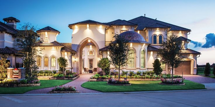 Luxury Custom Home at Riverstone in Sugar Land