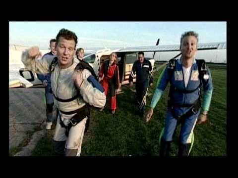 Gebroeders Ko - Tuut Tuut Tuut Wij Springen Parachute