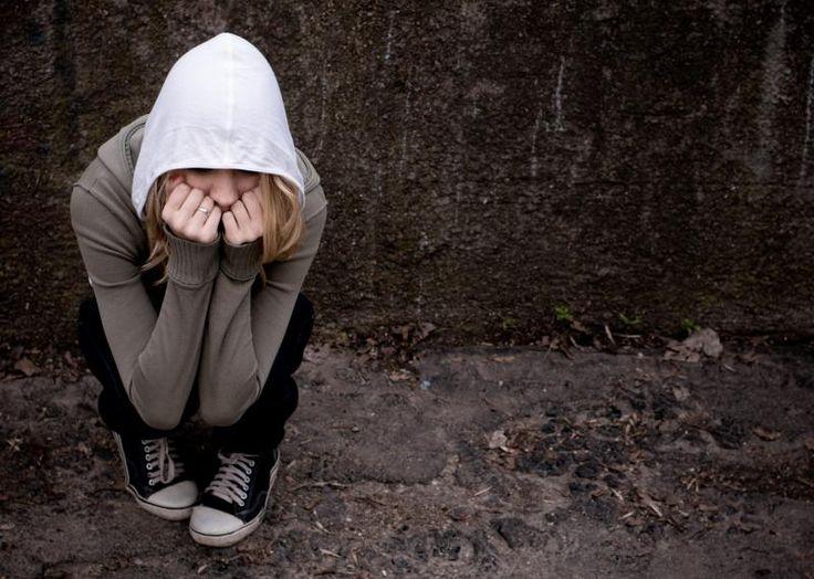 Vakavaa masennusta potevat lapset ja nuoret eivät todennäköisesti saa apua masennuslääkkeistä, tuore tutkimus vahvistaa. Erilaisten terapioiden pitäisikin aina olla ensisijainen hoito heille. #masennus