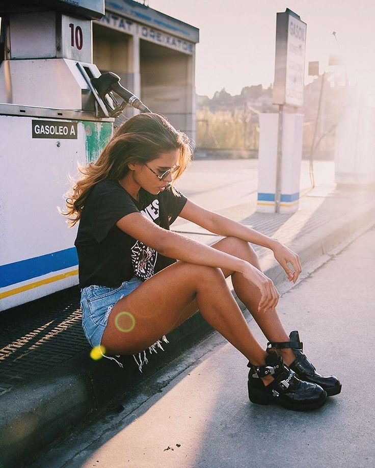 Emitaz - Travel & Fashion Blog sur Instagram: Pc: @oscarminyo   Balenciaga Boots