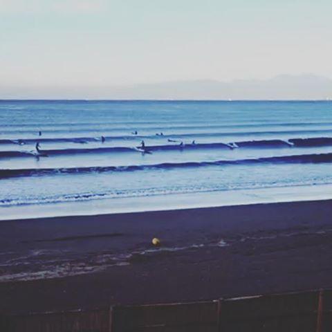 【nicoshop】さんのInstagramをピンしています。 《一気にサイズダウンながらも ゆるゆる楽しめた♪ . . #今朝はあたたかかった #ケサソラ #ケサウミ #湘南 #Shonan #LobFront #海 #ビーチ #サーフィン #サーファーガール #サーフガール #波乗り #surf #surfing #sea #beach》