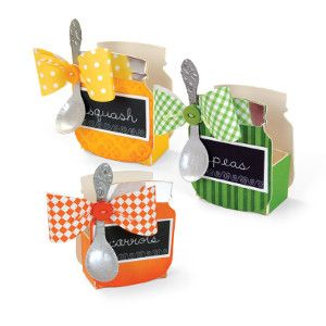 This cute Baby Shower Treat Holder is adorable because it resembles a little baby food jar! #newDIYcrafts