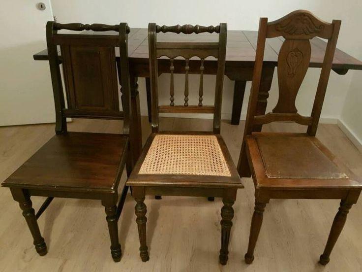 Verkaufe hier 3 antike Stühle. Da die Stühle schon einige Jahre hinter sich haben sind Gebrauchsspuren selbstverständlich. Aber dennoch befinden diese sich in einem guten Zustand! Um einiges besser als das was man sonst hier so an antiken Stühlen findet.Verkaufe auch einzelne Stühle.Stückpreis je 35 EUR (Festpreis)PrivatverkaufKeine Garantie, Gewährleistung oder Rücknahme.