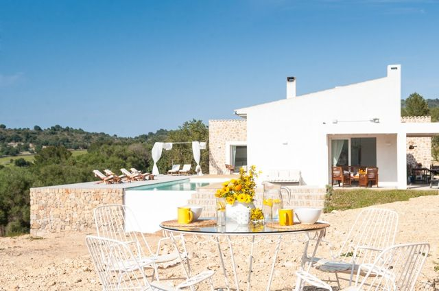 Villa-Amara-top-Haus-im-stylischen-shabby-chic-fuer-6-Personen - Detailinformationen Mallorca