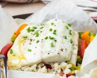 Papillote de cabillaud au riz et légumes : http://www.fourchette-et-bikini.fr/recettes/recettes-minceur/papillote-de-cabillaud-au-riz-et-legumes.html
