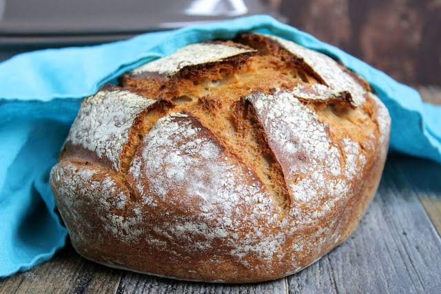 Hallo Ihr Lieben ❤️ Heute gibt es einen wahrhaft majestätischen Genuss 😉 Unseren Dinkelkönig. Ein herzhaftes Brot mit knackiger Kruste und softer Krume.  Ihr benötigt: ♡ 320 g Wasser ♡ 1 TL …