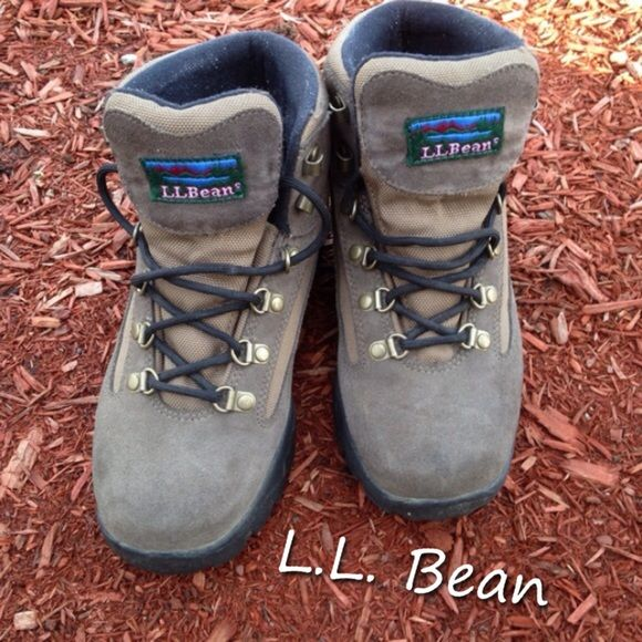 LL Bean Brown Leather Hiking Boots These are great LL Bean hiking boots, only worn twice! Women's brown leather, over the ankle, size 7W, (7 Wide Width). They are in great shape, not broken in yet. I am a sitter, not a hiker, and these have just been sitting in my closet. L.L. Bean Shoes Lace Up Boots