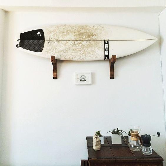 Prancha de surf como parte da decoração da casa