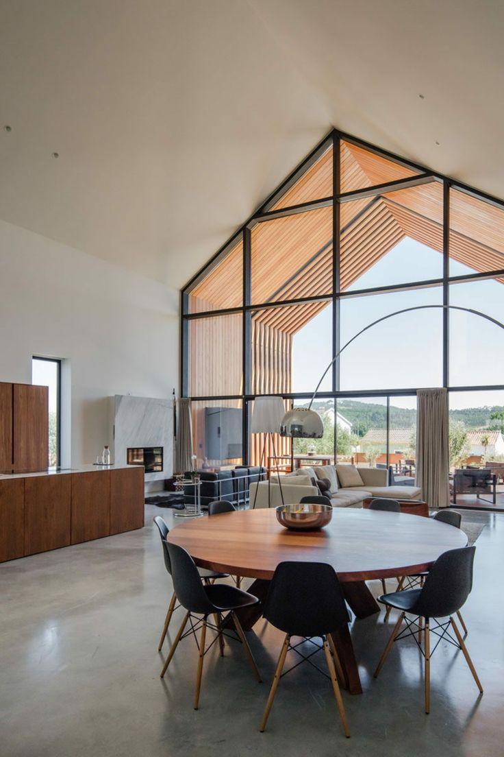 wohnbereich essbereich esstisch rund holz betonboden #traumhäuser #modern #family #house