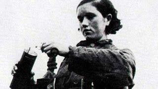 En frasco pequeño.: Rosario. Eduardo Galeano. Rosario Dinamitera por Eduardo Galeano. #EduardoGaleano #RosarioDinamitera #Microrrelato #Cuento