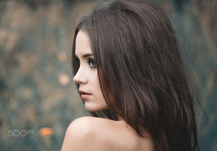 People 2048x1426 women model long hair brunette face depth of field Xenia Kokoreva eyes women outdoors bare shoulders 500px