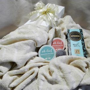 Gift Hamper - Baby Shower - Stunning 100% handwoven cotton cot cover/blanket with some extras