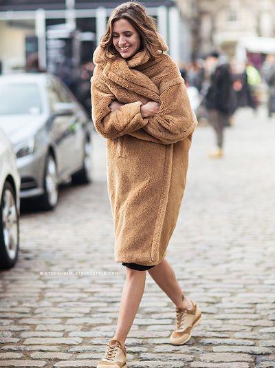 Manteau teddy bear caramel + baskets camel = le bon camaïeu de couleurs ! La mm chose en noir
