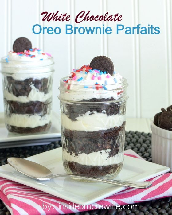 White Chocolate Oreo Brownie Parfaits - Oreo, brownies, and white chocolate cheesecake in one cute little jar