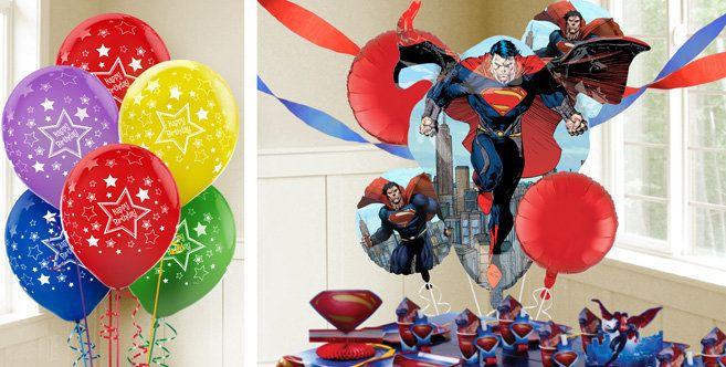 Decoración de fiesta con globos de Superman