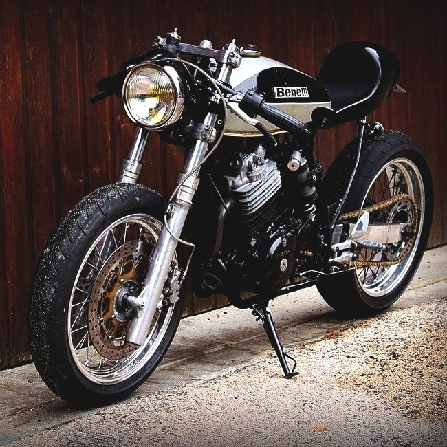 Benelli Cafe Racer / Combustible Contraptions
