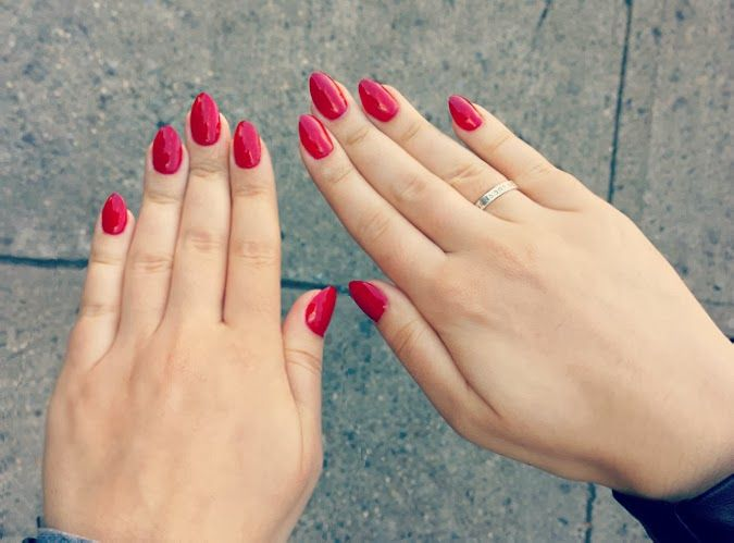 Red almond nails. I love that they're not too long