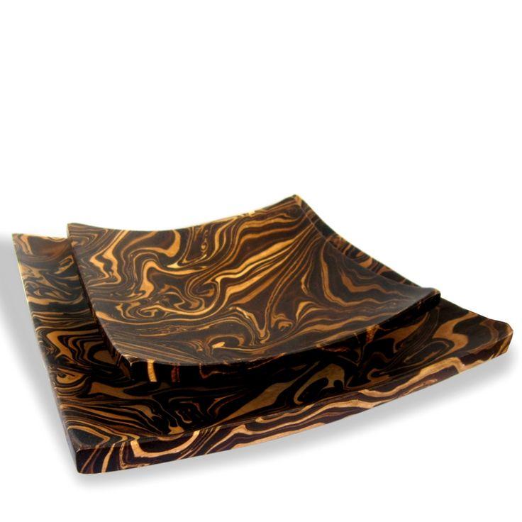 Schalen aus Mangoholz Mangoholz Schüsseln und Schalen sehen nicht nur fantastisch aus, sondern fühlen sich auch gut an. Die Holzschalen von Marketplace3000 sind nicht nur schön anzusehen, sondern auch sehr praktisch und pflegeleicht. Handgefertigte Produkte sind Einzelstücke. Kleine Unregelmäßigkeiten in Form und Farbe sind keine Qualitätsmängel sondern ein sicheres Zeichen für reine Handarbeit und Qualität! Holzschalen oder Holzschüsseln sind üblicherweise matt oder halbmatt und nicht…