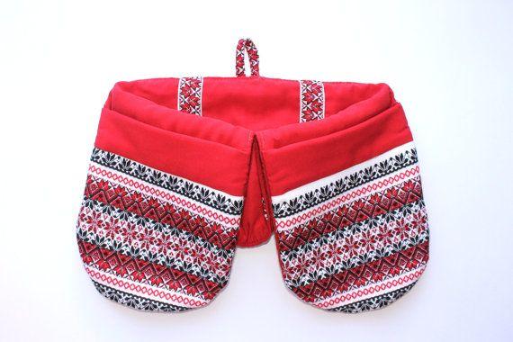 Red Oven Mitt  Double Oven Mitt  Ukrainian by TheBestPresent #integritytt