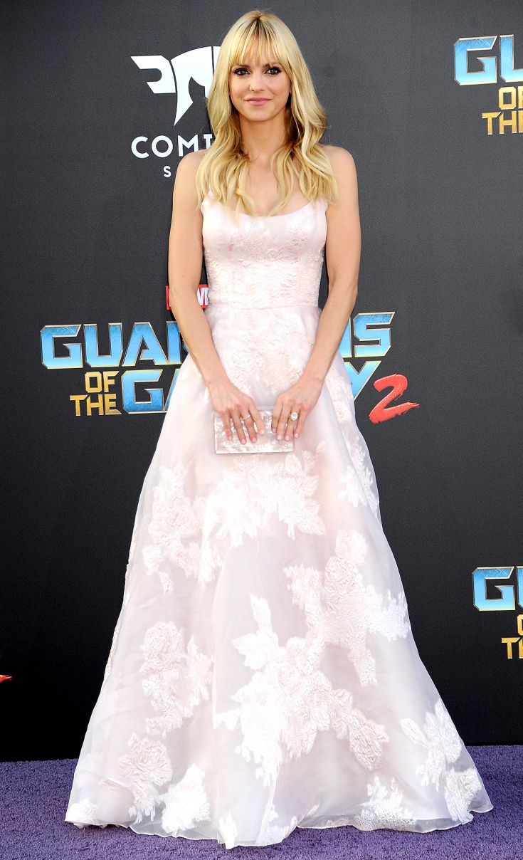 Anna Faris in Marchesa