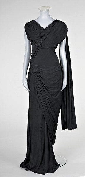 Dido: There's something quite grecian about the draping while also being modern..?