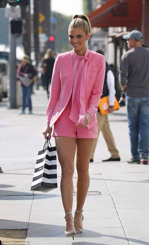 AnnaLynne McCord looks Legally Blonde in bright pink suit ...