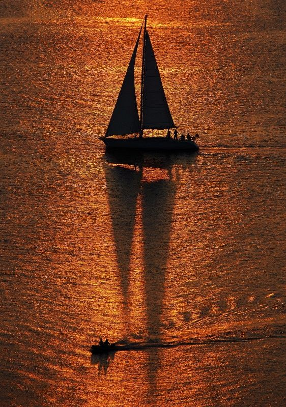 ΤΟ ΠΟΤΑΜΙ ΤΟΥ ΗΛΙ: Water Ships Moon Fal, Golden Sunsets, Sunsets Stopotamitouiliou, Beautiful Greece, Fabulous Sunsets, Places, Color Cobr, Sailing Boats, Sunsets Sunri
