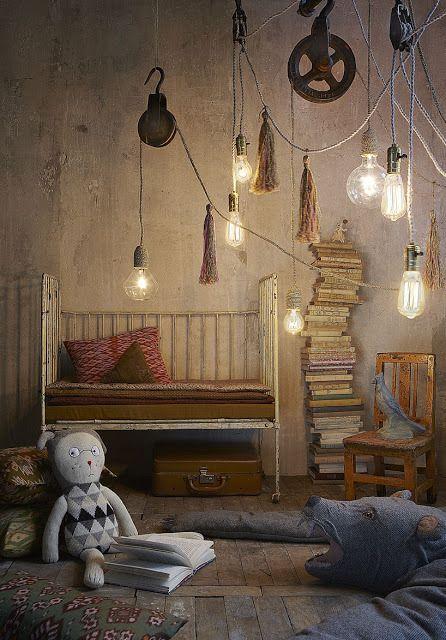 Poulie aux cordons lumineux / pendant pulley lamp — LES PETITS BOHEMES