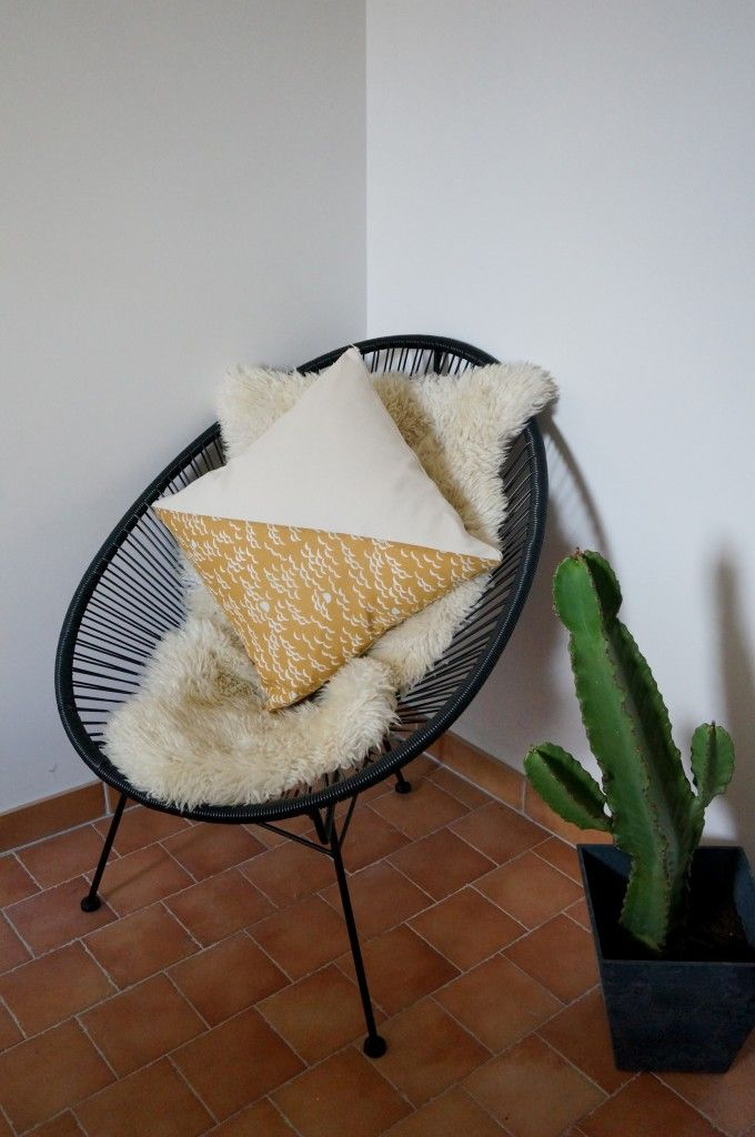 Polhoo ! Coussin moutarde vague - pillow - cushion