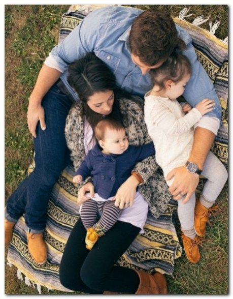 CUTE FAMILY PICTURES IDEAS (6)