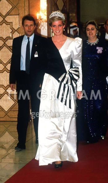 November 17, 1986: HRH Diana the Princess of Wales at a dinner given by the Crown Prince in Saudi Arabia.