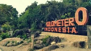 0 Kilometer Monument    The location is located in Forest Tourism Sabang precisely in the village of Ujong Iboih Ba'u, District Sukakarya. Approximately 5 km from the beach Iboih. It is in the west of the town of Sabang approximately 29 kilometers or take a 40-minute drive.