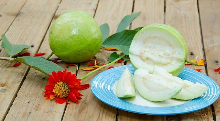 A fruit that may prevent diabetes and high cholesterol