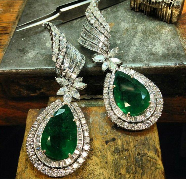 Earrings by Roopa Vohra,