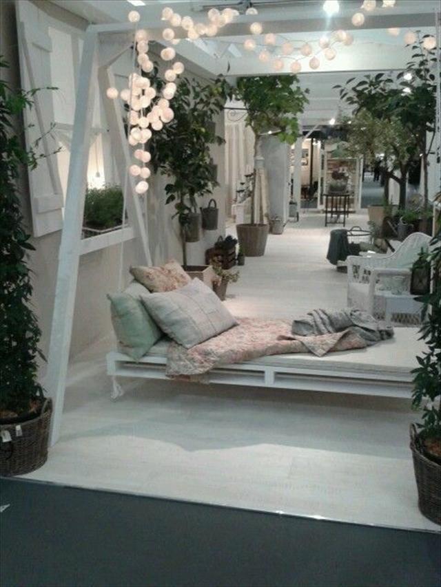 Pallet Swing Bed - Swing bed ideas