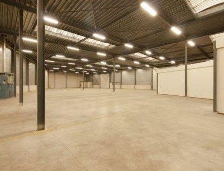 Functionele bedrijfshal met kantoorruimte te huur aan de Buys Ballotstraat 9 in Venlo. Zowel de kantoorruimte als de bedrijfsruimte kunnen los gehuurd worden. Reageer en kom direct in contact met de eigenaar! Bel 085-4013999 of vraag direct online een bezichtiging aan.   http://www.huurbieding.nl/huur/bedrijfsruimte/1-00986/venlo/buys-ballotstraat-9.html  #bedrijfsruimte #kantoorruimte #tehuur #venlo #deelverhuur #bieden #huurprijs #huurbieding #multifunctioneel #handel #opslag