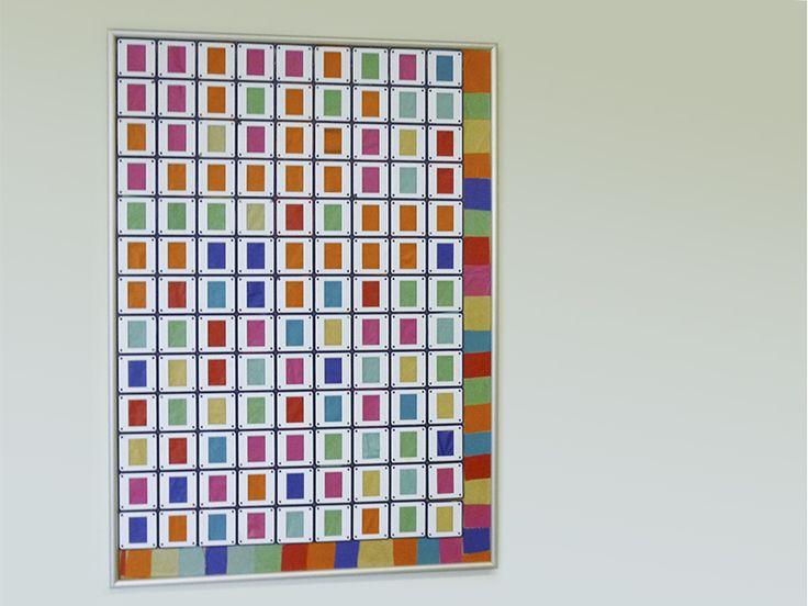 Interessante Pixelgrafik in ausgedienten Dia- und Bilderrahmen