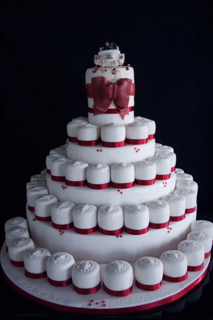 Wedding cake made of mini cakes. mini wedding cakes
