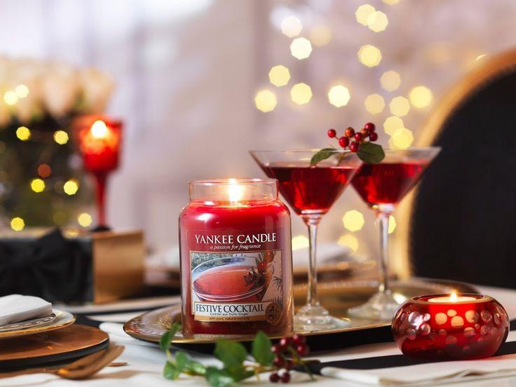 Yankee Candle Christmas 2016, Collezione Holiday Party: le nuove fragranze natalizie create dal produttore delle candele più amate al mondo per diffondere in casa tutta la gioia e la magia delle feste ALL IS BRIGHT Un mix di scintillanti aromi agrumati tendenti al muschio bianco.  FESTIVE COCKT